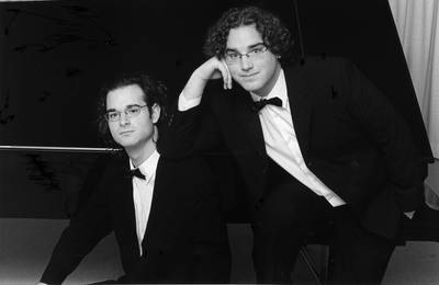 los pianistas hermanos del valle