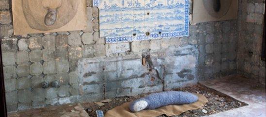 Fragmento de la instalación Deshabitados de Yolanda Relinque