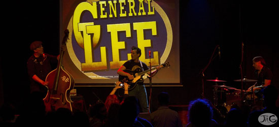 General Lee en La Cochera Cabaret